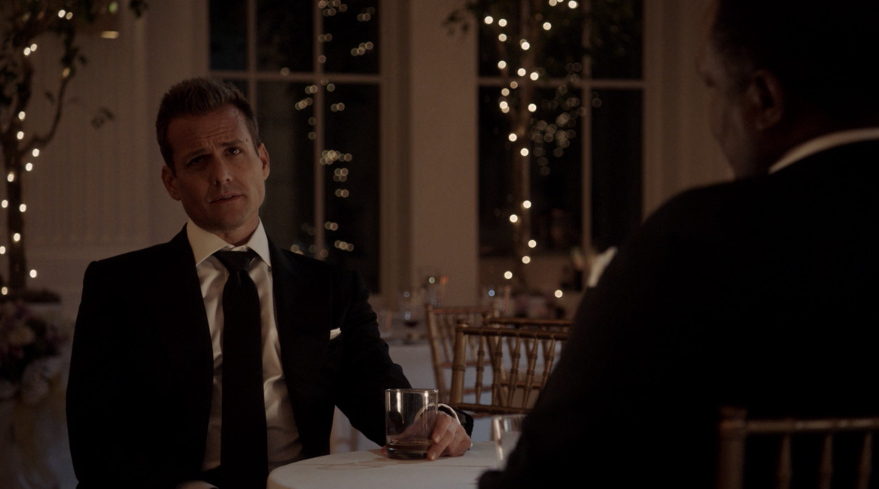 Suits season 8 episode 1 - Review - Right-Hand Man